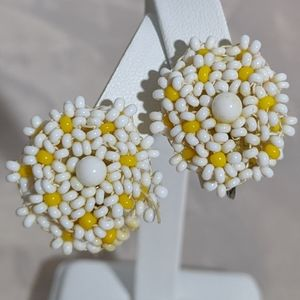 Vintage White & Yellow Flower Clip Earrings